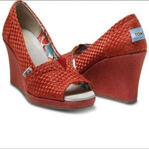 Toms Savannah Peep Toe Wedge Heels Textured Red 12